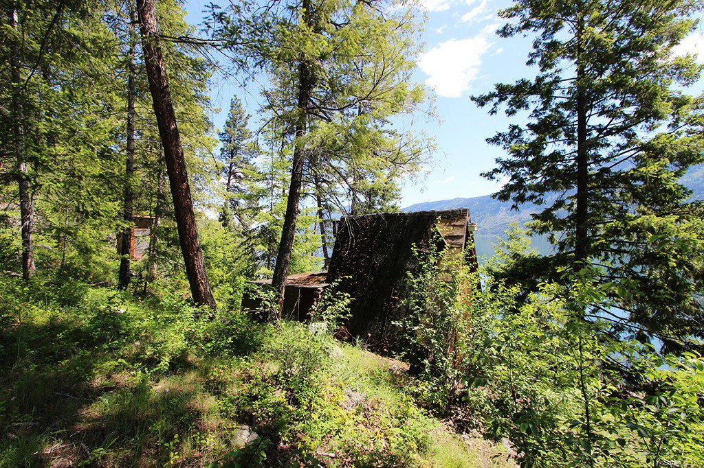 Photo 7: Photos: 3872 Point Road in Chase: Little Shuswap Lake House for sale : MLS®# 152250