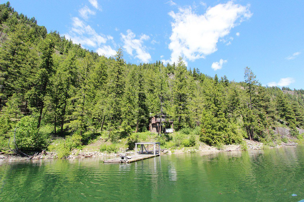 Photo 3: Photos: 3872 Point Road in Chase: Little Shuswap Lake House for sale : MLS®# 152250