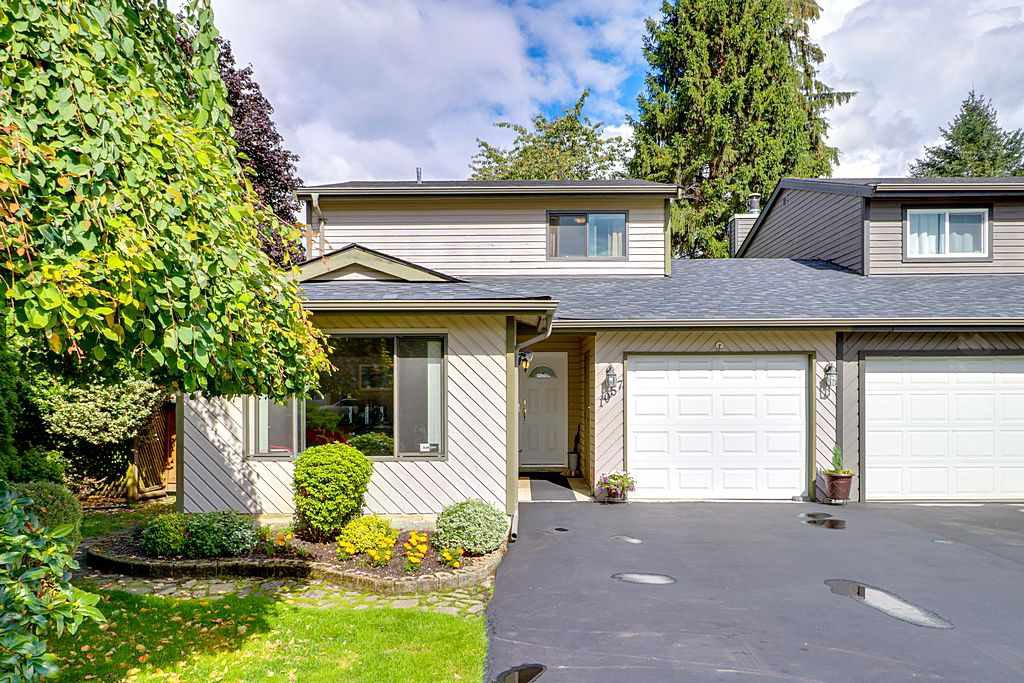 "Main Photo: 1057 LOMBARDY Drive in Port Coquitlam: Lincoln Park PQ 1/2 Duplex for sale in ""LINCOLN PARK"" : MLS®# R2305959"