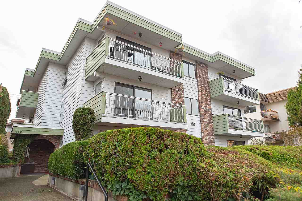 "Main Photo: 202 642 E 7TH Avenue in Vancouver: Mount Pleasant VE Condo for sale in ""Ivan Manor"" (Vancouver East)  : MLS®# R2319383"