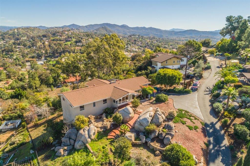 Main Photo: EL CAJON House for sale : 4 bedrooms : 1450 Merritt Dr