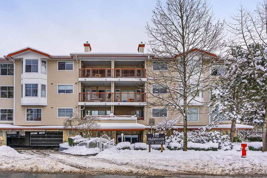 "Main Photo: 107 5776 200 Street in Langley: Langley City Condo for sale in ""The Glenwood"" : MLS®# R2340855"
