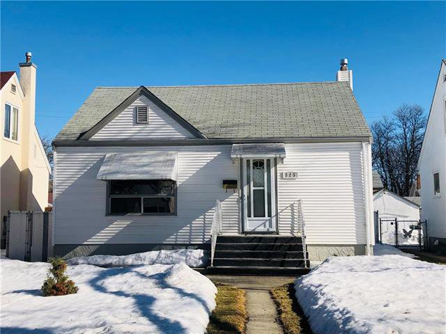 Main Photo: 325 Rupertsland Avenue in Winnipeg: West Kildonan Residential for sale (4D)  : MLS®# 1906420