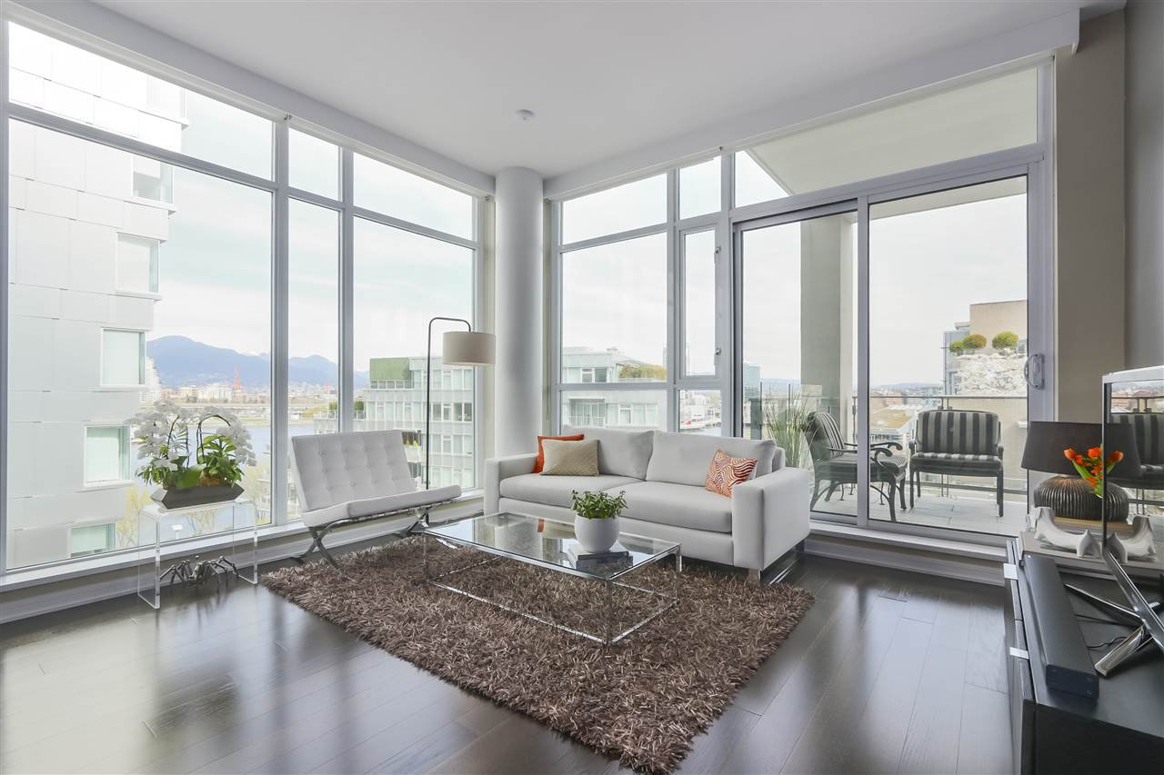 "Main Photo: 708 1616 COLUMBIA Street in Vancouver: False Creek Condo for sale in ""THE BRIDGE"" (Vancouver West)  : MLS®# R2356931"
