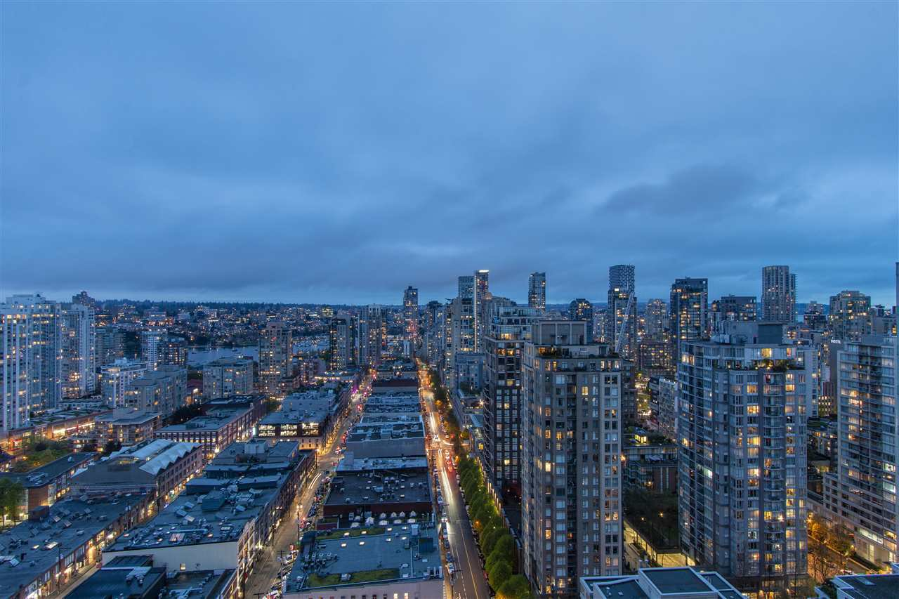 "Main Photo: 3001 928 HOMER Street in Vancouver: Yaletown Condo for sale in ""YALETOWN PARK 1"" (Vancouver West)  : MLS®# R2387487"