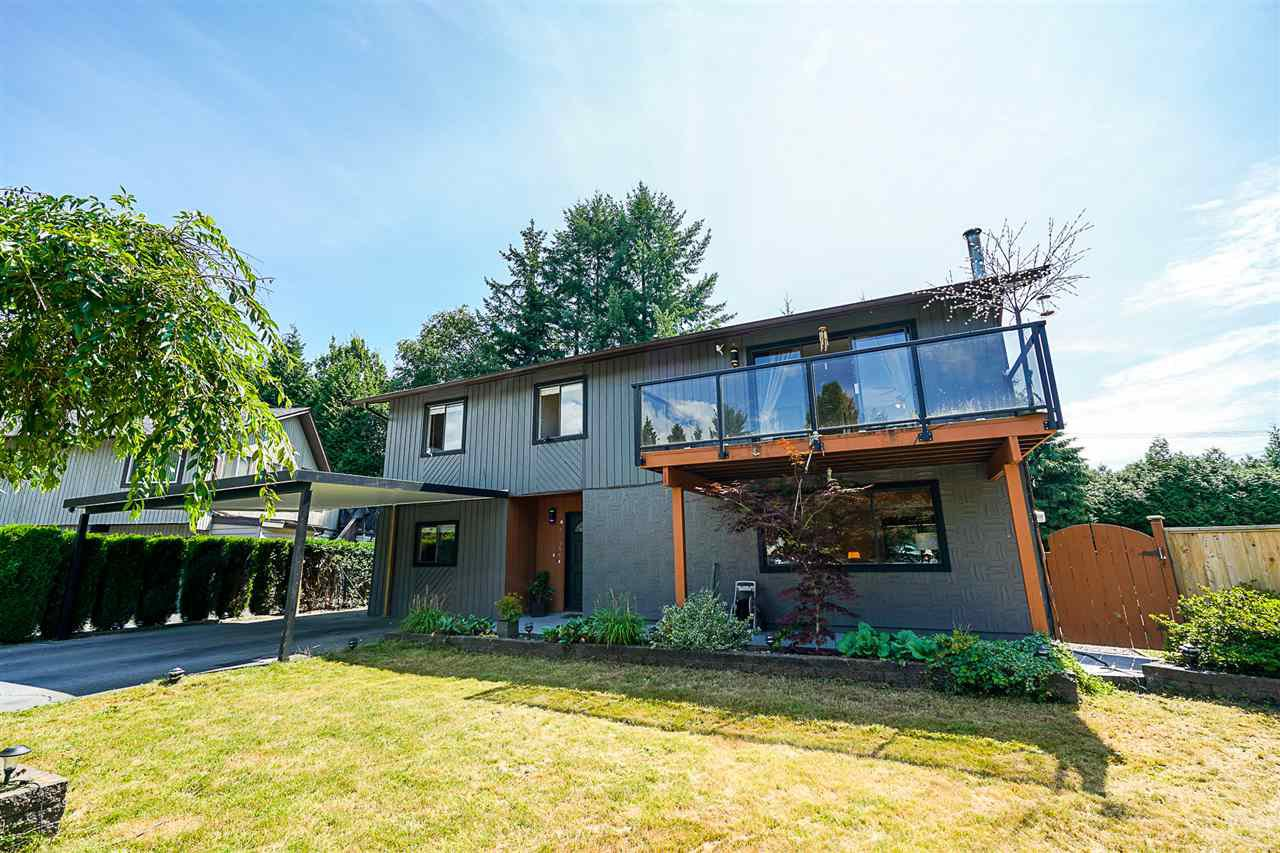 Main Photo: 914 OSPREY Place in Port Coquitlam: Lincoln Park PQ House for sale : MLS®# R2390367