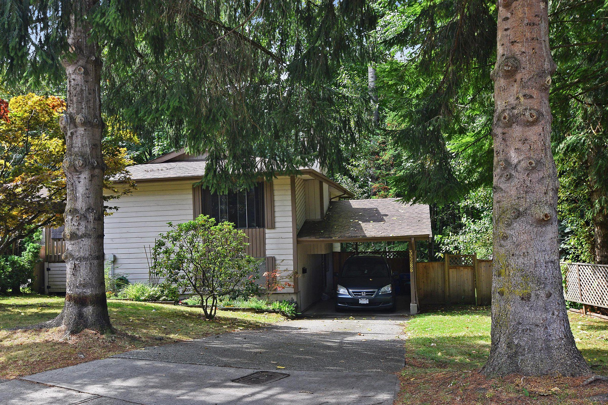 Main Photo: 35286 SELKIRK Avenue in Abbotsford: Abbotsford East House for sale : MLS®# R2395415