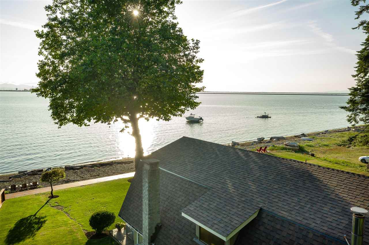 Main Photo: 532 TSAWWASSEN BEACH Road in Delta: English Bluff House for sale (Tsawwassen)  : MLS®# R2396200