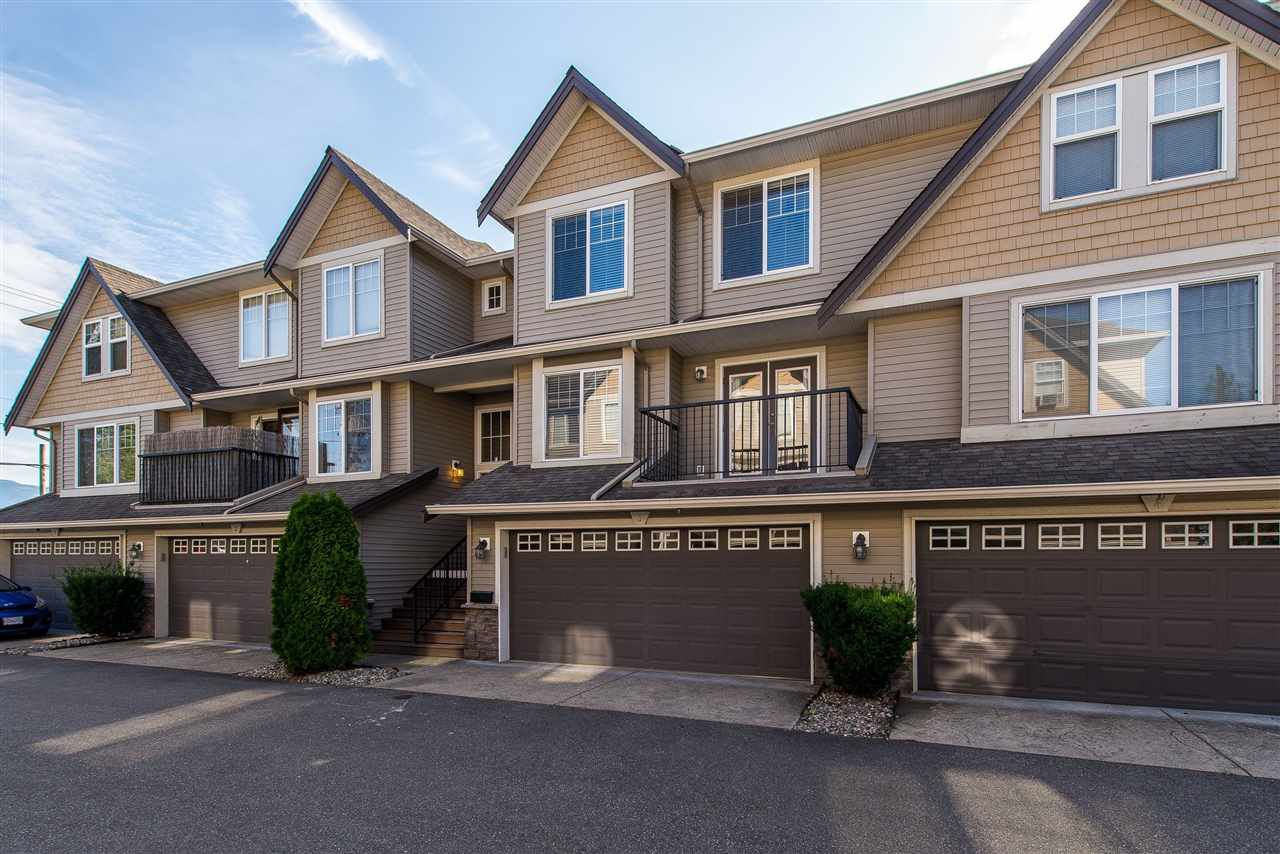 """Main Photo: 3 46568 FIRST Avenue in Chilliwack: Chilliwack E Young-Yale Townhouse for sale in """"Bristol Place"""" : MLS®# R2396875"""
