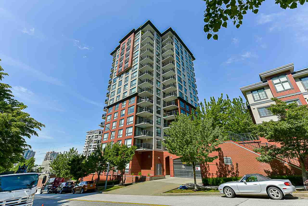"Main Photo: 308 833 AGNES Street in New Westminster: Downtown NW Condo for sale in ""NEWS"" : MLS®# R2419231"
