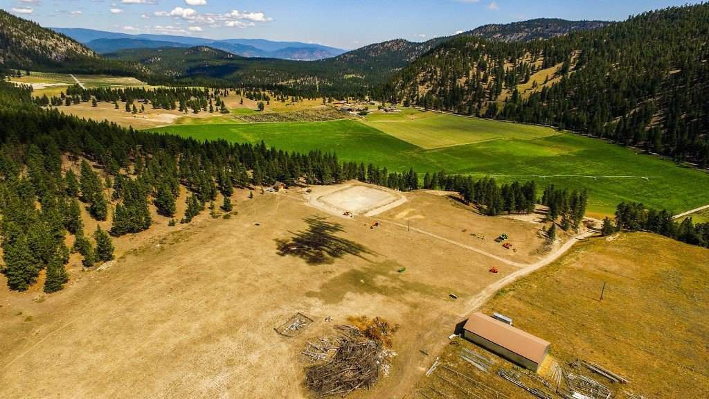 """Photo 6: Photos: 810 MEADOW VALLEY Road in No City Value: FVREB Out of Town Land for sale in """"MEADOW VALLEY"""" : MLS®# R2420684"""