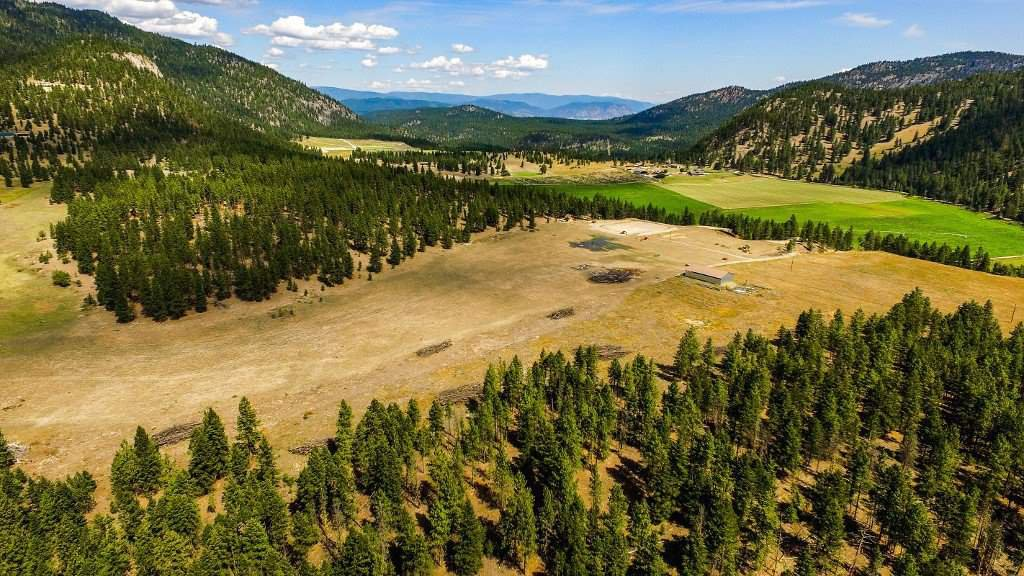 """Photo 5: Photos: 810 MEADOW VALLEY Road in No City Value: FVREB Out of Town Land for sale in """"MEADOW VALLEY"""" : MLS®# R2420684"""