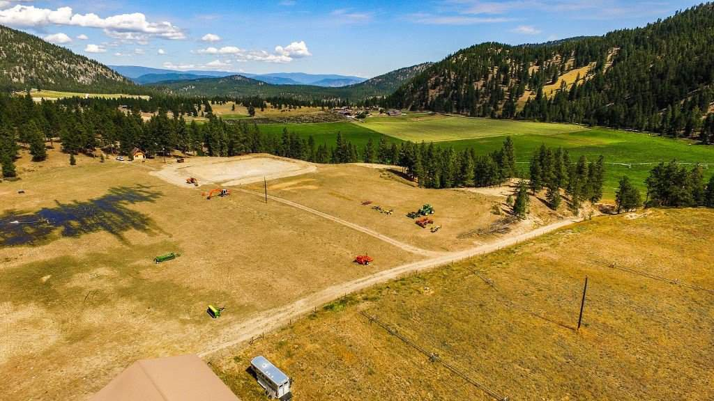 """Photo 4: Photos: 810 MEADOW VALLEY Road in No City Value: FVREB Out of Town Land for sale in """"MEADOW VALLEY"""" : MLS®# R2420684"""