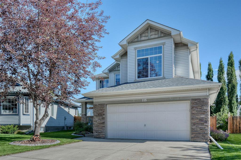 Main Photo: 115 West Lakeview Circle: Chestermere Detached for sale : MLS®# A1015249