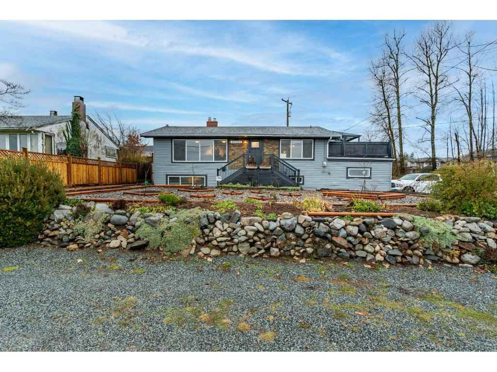 Main Photo: 33717 6TH Avenue in Mission: Mission BC House for sale : MLS®# R2526347