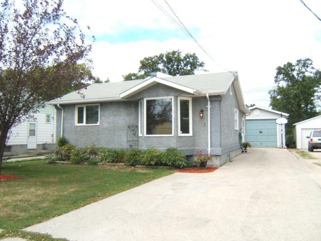 Main Photo: 115 Worthington Avenue in WINNIPEG: St Vital Residential for sale (South East Winnipeg)  : MLS®# 1118747