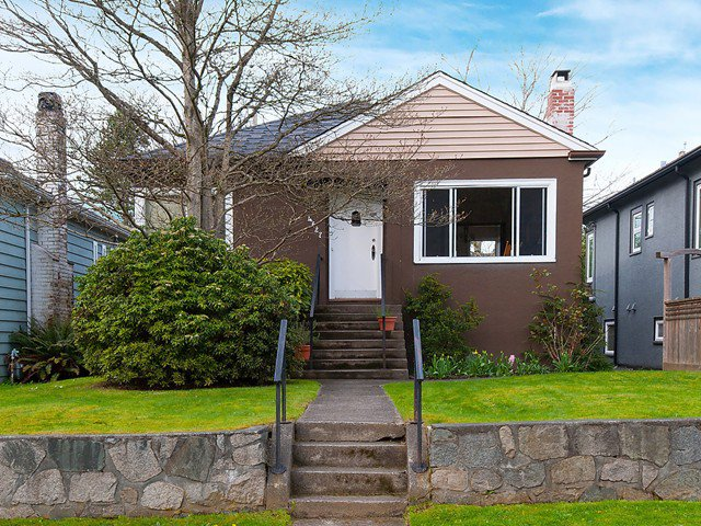 Photo 1: Photos: 4627 W 15TH Avenue in Vancouver: Point Grey House for sale (Vancouver West)  : MLS®# V1119378
