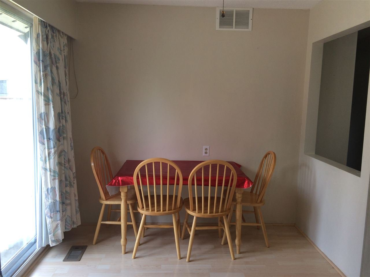 Photo 5: Photos: 12361 BONSON Road in Pitt Meadows: Mid Meadows House for sale : MLS®# R2078094