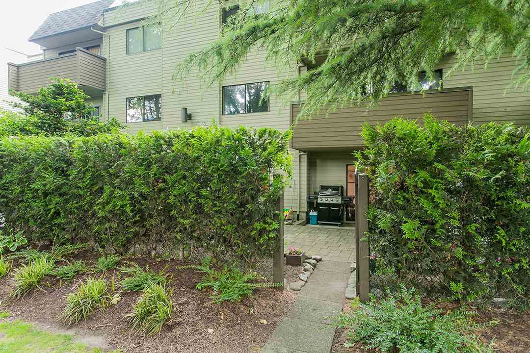 "Photo 16: Photos: 102 1424 WALNUT Street in Vancouver: Kitsilano Condo for sale in ""Walnut Place"" (Vancouver West)  : MLS®# R2079626"
