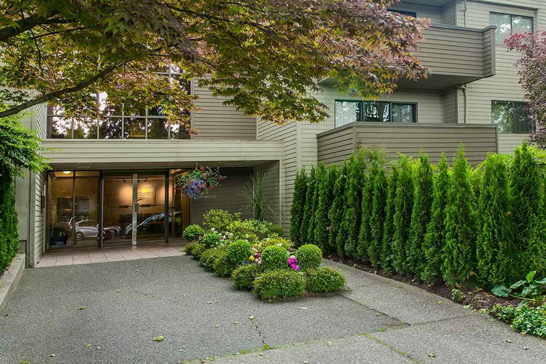 "Photo 18: Photos: 102 1424 WALNUT Street in Vancouver: Kitsilano Condo for sale in ""Walnut Place"" (Vancouver West)  : MLS®# R2079626"