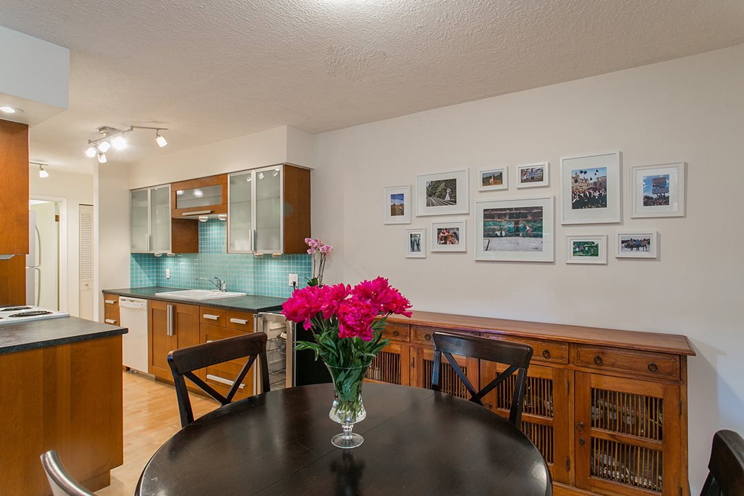 "Photo 6: Photos: 102 1424 WALNUT Street in Vancouver: Kitsilano Condo for sale in ""Walnut Place"" (Vancouver West)  : MLS®# R2079626"
