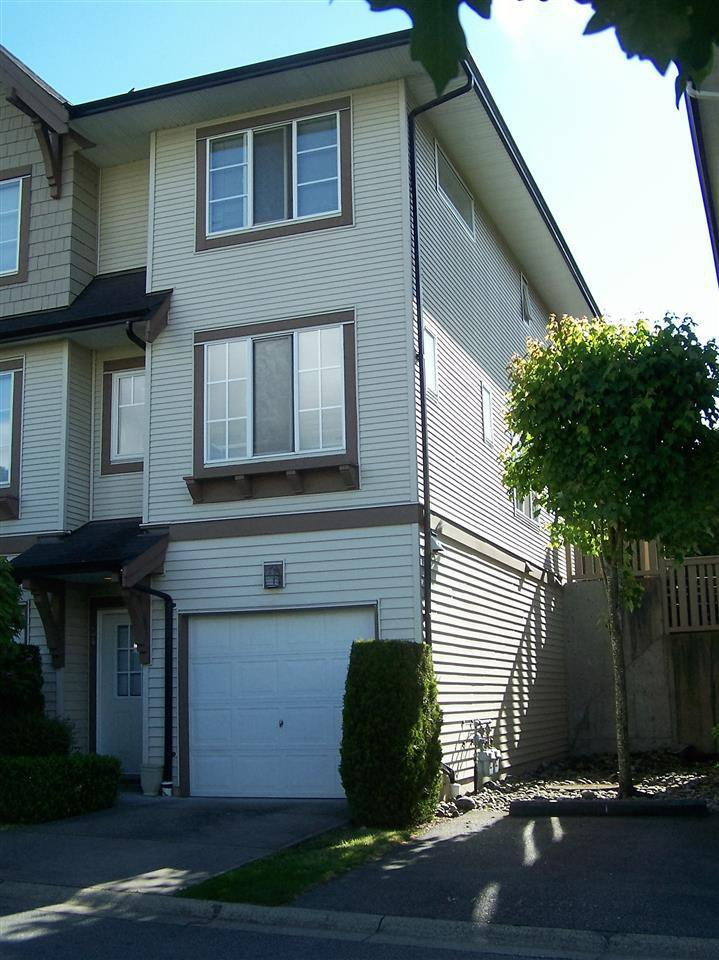 Main Photo: 24 20560 66 AVENUE in Langley: Home for sale : MLS®# R2066599