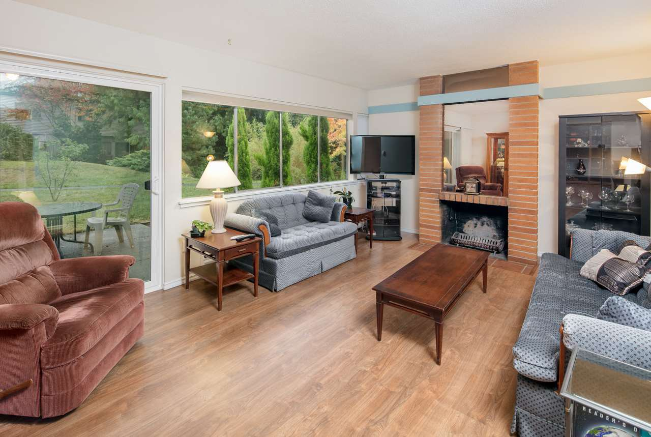 "Main Photo: 603 WESTVIEW Place in North Vancouver: Upper Lonsdale Townhouse for sale in ""Cypress Gardens"" : MLS®# R2211101"