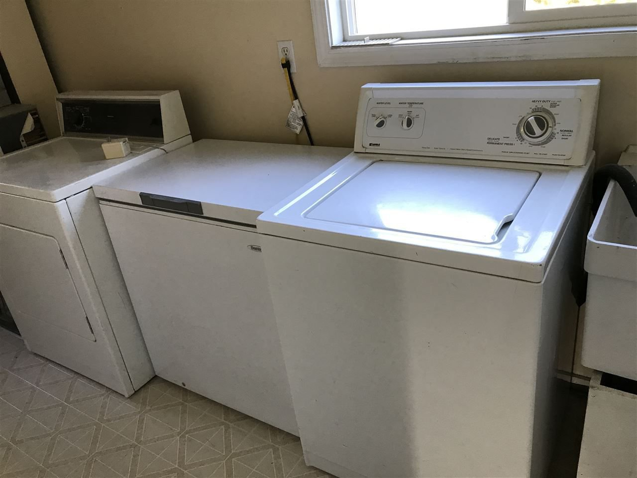 """Photo 12: Photos: 15859 THRIFT Avenue: White Rock House for sale in """"White Rock"""" (South Surrey White Rock)  : MLS®# R2220457"""