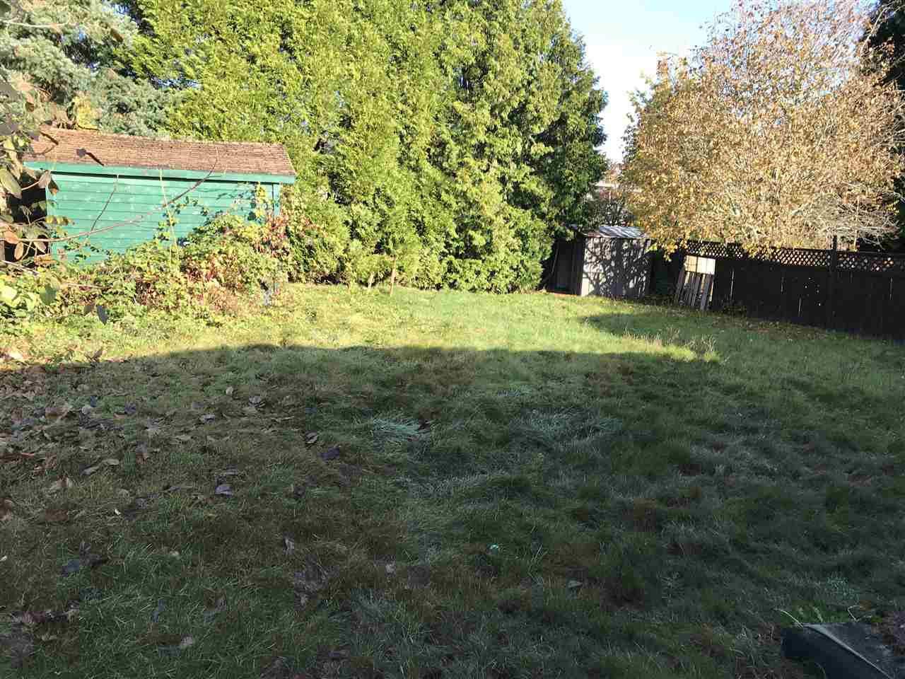 """Photo 3: Photos: 15859 THRIFT Avenue: White Rock House for sale in """"White Rock"""" (South Surrey White Rock)  : MLS®# R2220457"""