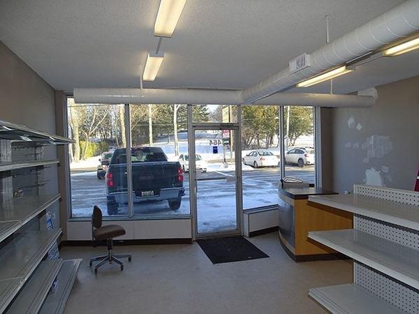 Photo 2: Photos: 460 Osborne Street: Beaverton Commercial for lease (Brock)  : MLS®# N4009006
