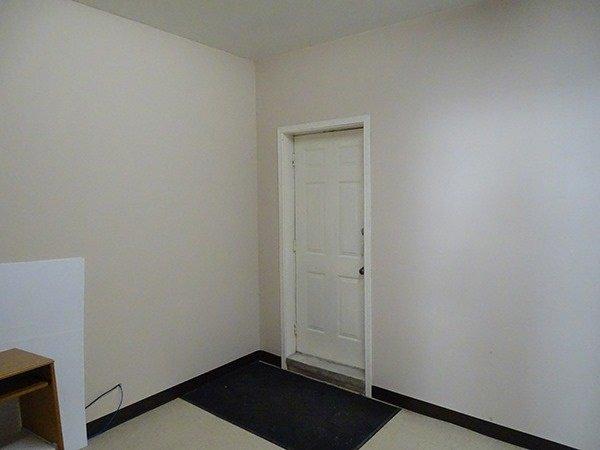 Photo 7: Photos: 460 Osborne Street: Beaverton Commercial for lease (Brock)  : MLS®# N4009006