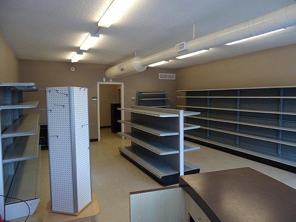 Photo 5: Photos: 460 Osborne Street: Beaverton Commercial for lease (Brock)  : MLS®# N4009006
