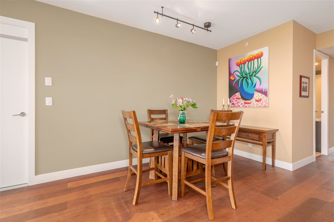 """Photo 5: Photos: 601 9310 UNIVERSITY Crescent in Burnaby: Simon Fraser Univer. Condo for sale in """"ONE UNIVERSITY"""" (Burnaby North)  : MLS®# R2272823"""