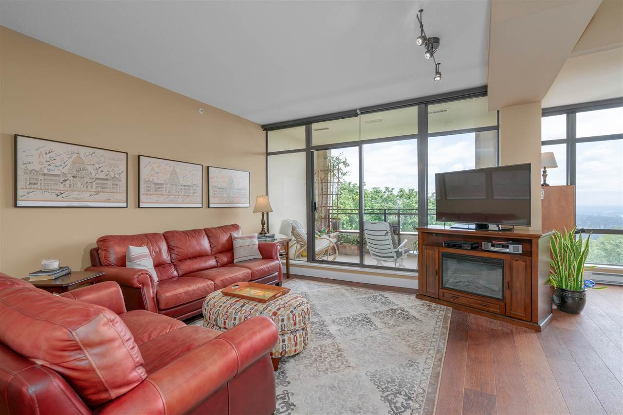 """Photo 2: Photos: 601 9310 UNIVERSITY Crescent in Burnaby: Simon Fraser Univer. Condo for sale in """"ONE UNIVERSITY"""" (Burnaby North)  : MLS®# R2272823"""