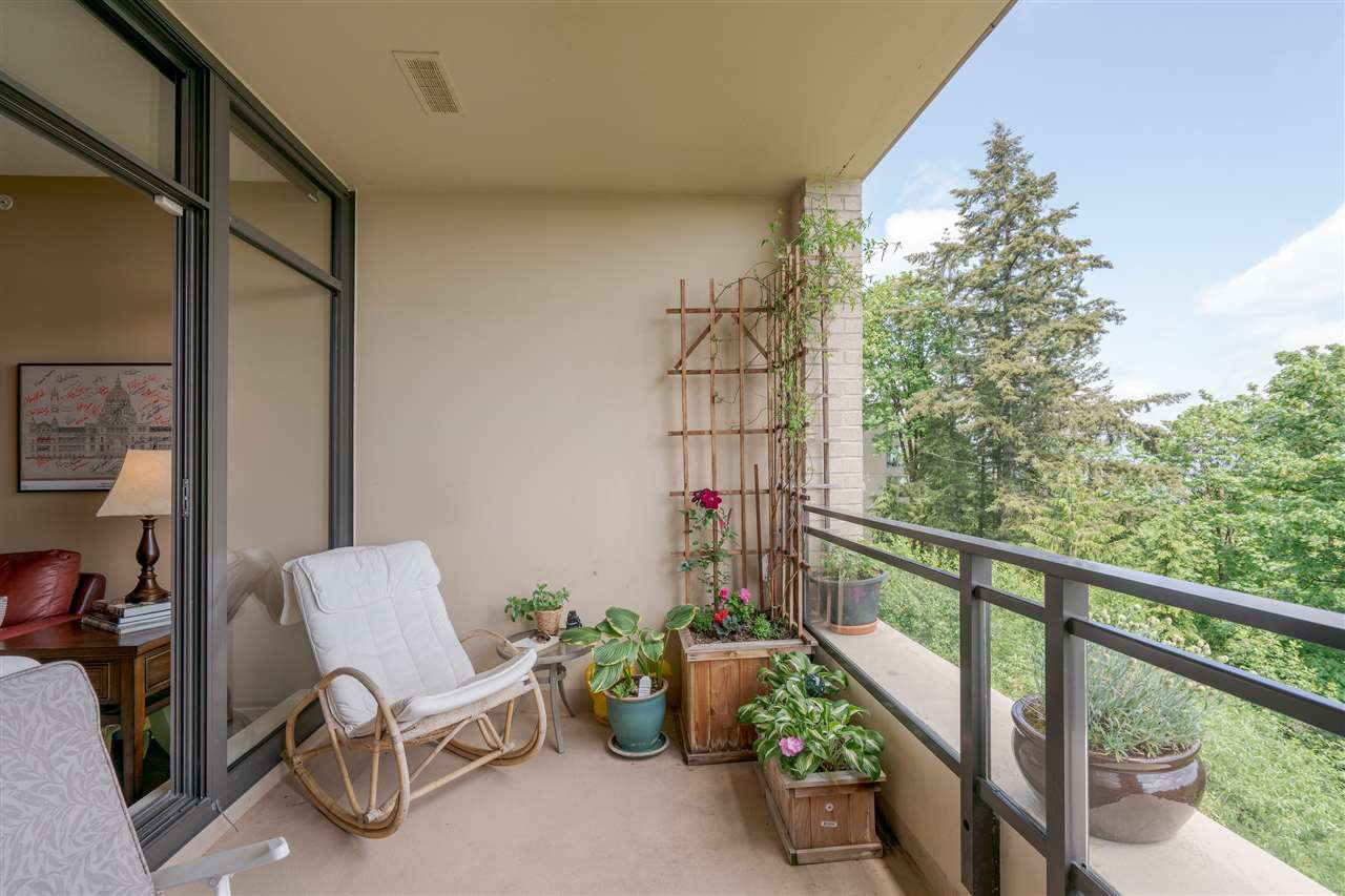 """Photo 16: Photos: 601 9310 UNIVERSITY Crescent in Burnaby: Simon Fraser Univer. Condo for sale in """"ONE UNIVERSITY"""" (Burnaby North)  : MLS®# R2272823"""