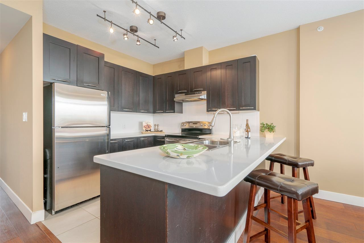 """Photo 6: Photos: 601 9310 UNIVERSITY Crescent in Burnaby: Simon Fraser Univer. Condo for sale in """"ONE UNIVERSITY"""" (Burnaby North)  : MLS®# R2272823"""