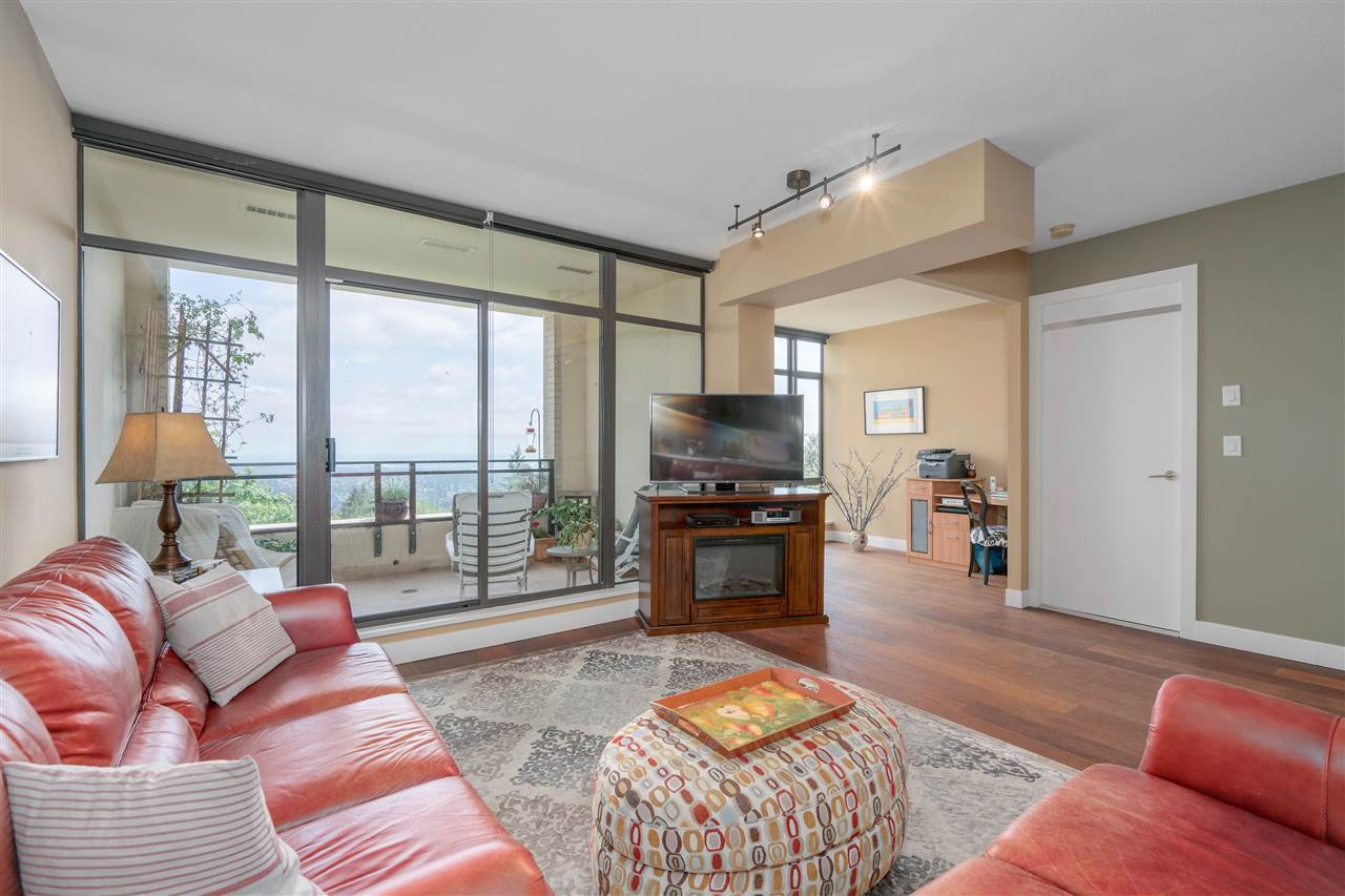 """Photo 3: Photos: 601 9310 UNIVERSITY Crescent in Burnaby: Simon Fraser Univer. Condo for sale in """"ONE UNIVERSITY"""" (Burnaby North)  : MLS®# R2272823"""