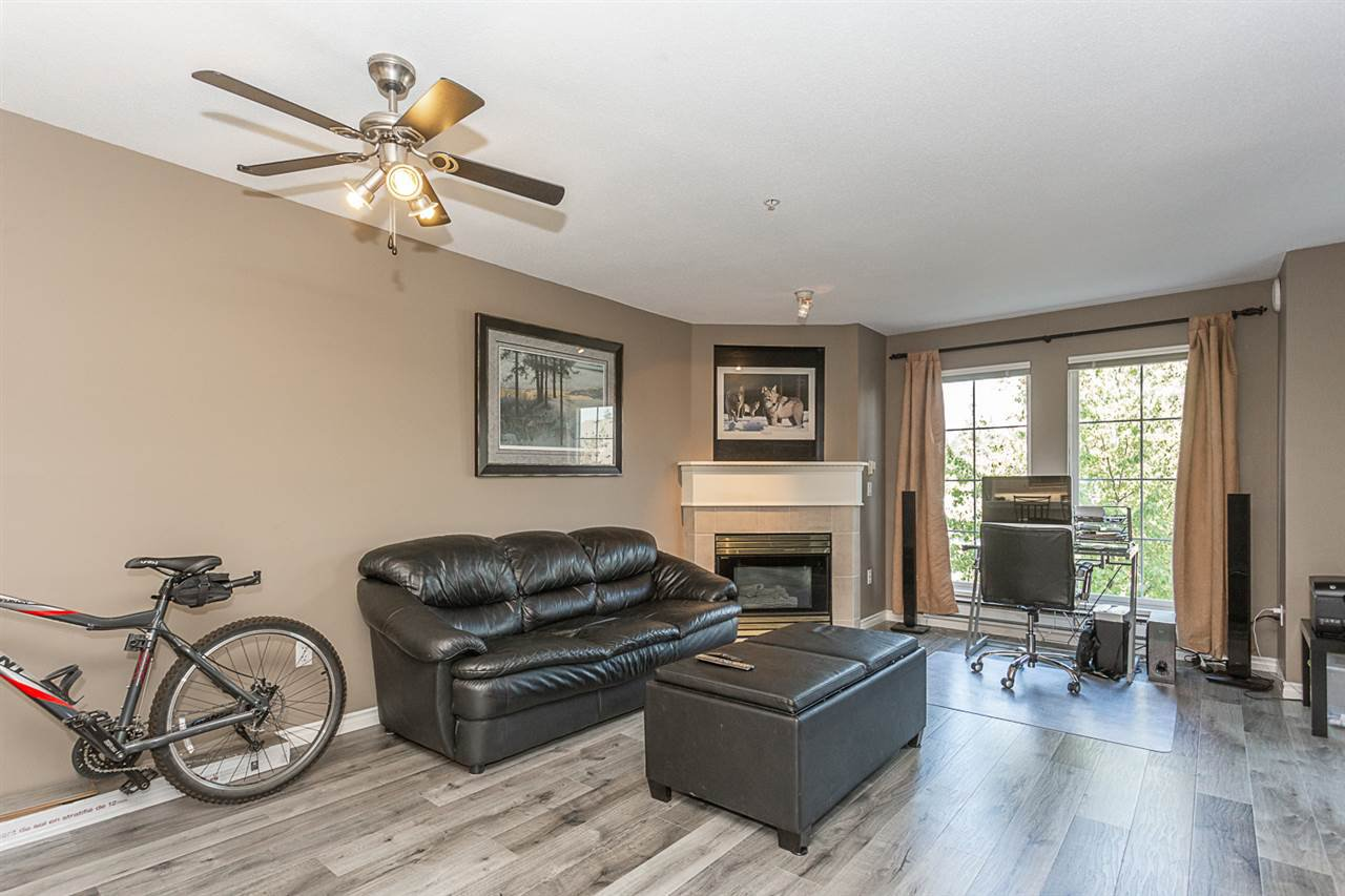 "Photo 6: Photos: 307 1669 GRANT Avenue in Port Coquitlam: Glenwood PQ Condo for sale in ""The Charleston"" : MLS®# R2308658"