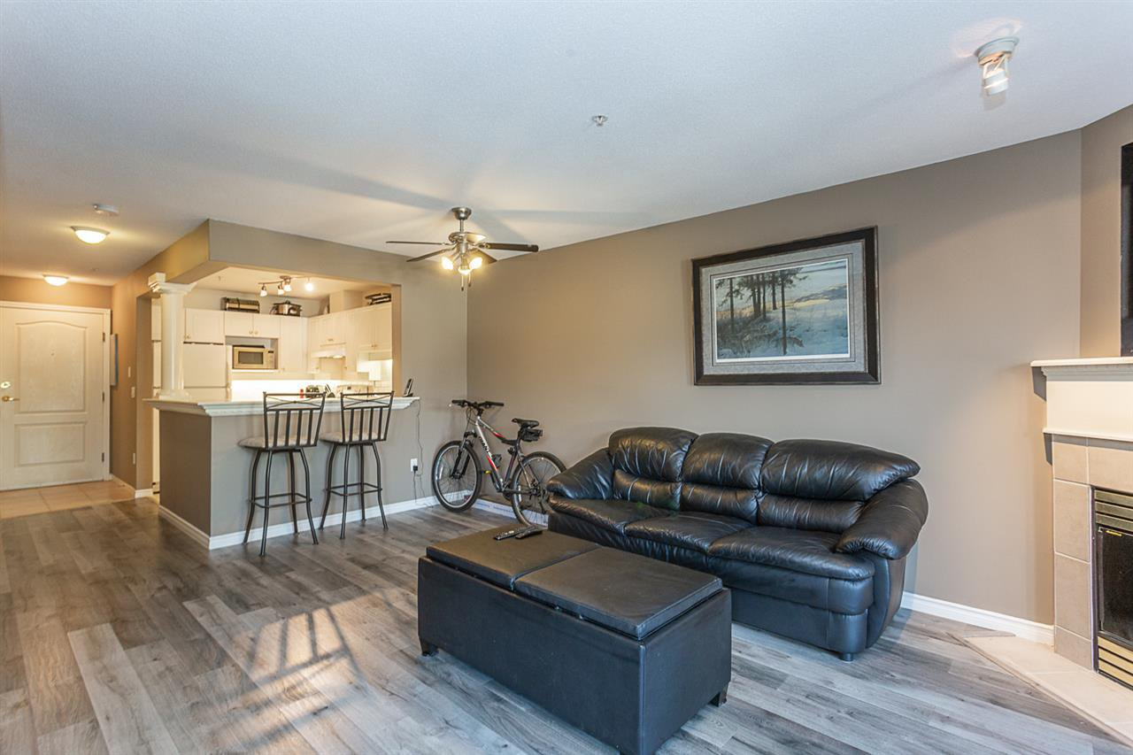 "Photo 5: Photos: 307 1669 GRANT Avenue in Port Coquitlam: Glenwood PQ Condo for sale in ""The Charleston"" : MLS®# R2308658"