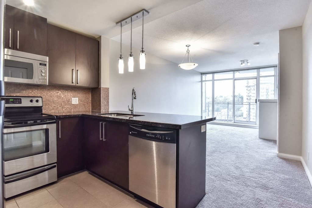 """Main Photo: 2007 888 CARNARVON Street in New Westminster: Downtown NW Condo for sale in """"Marinus at Plaza 88"""" : MLS®# R2333675"""
