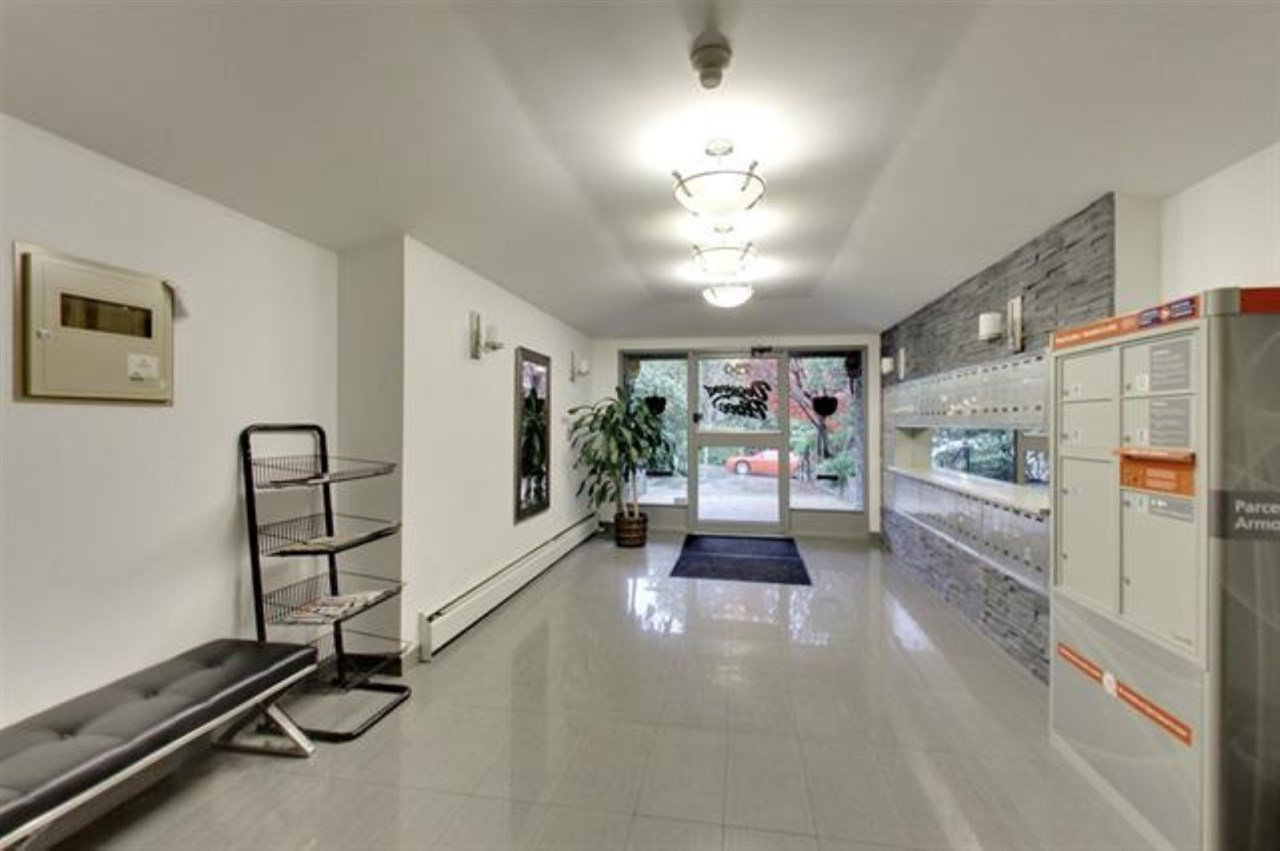 Main Photo: 117 750 E 7TH Avenue in Vancouver: Mount Pleasant VE Condo for sale (Vancouver East)  : MLS®# R2345291
