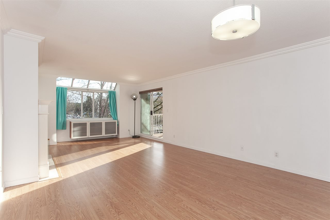 """Photo 3: Photos: 305 9767 140 Street in Surrey: Whalley Condo for sale in """"FRASER GATE"""" (North Surrey)  : MLS®# R2347201"""