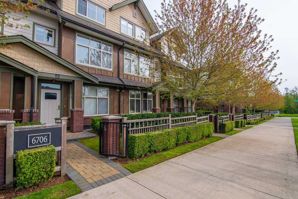 """Photo 19: Photos: 201 6706 192 Diversion in Surrey: Clayton Townhouse for sale in """"One92 Townhomes"""" (Cloverdale)  : MLS®# R2362276"""