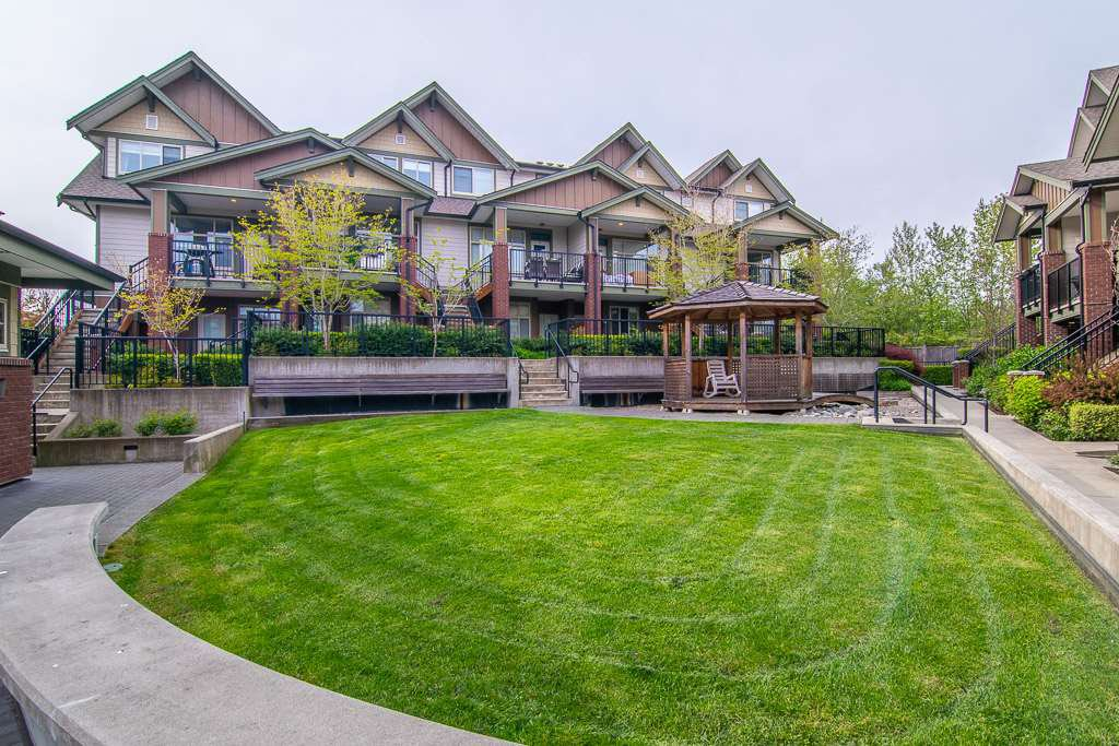 """Photo 18: Photos: 201 6706 192 Diversion in Surrey: Clayton Townhouse for sale in """"One92 Townhomes"""" (Cloverdale)  : MLS®# R2362276"""