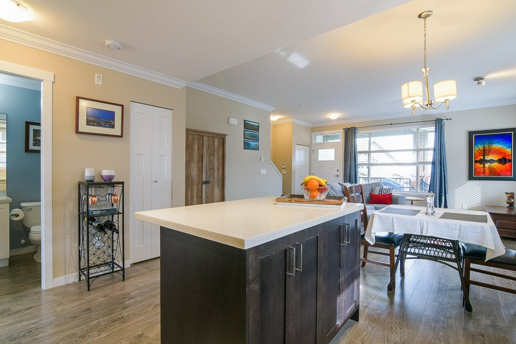 """Photo 10: Photos: 201 6706 192 Diversion in Surrey: Clayton Townhouse for sale in """"One92 Townhomes"""" (Cloverdale)  : MLS®# R2362276"""