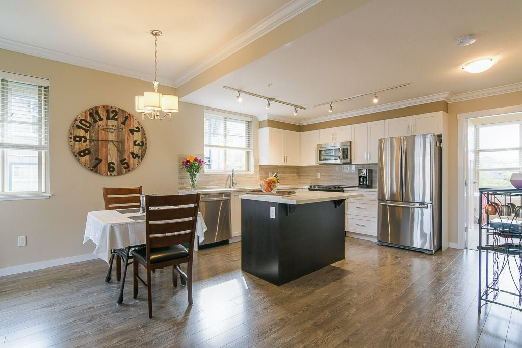 """Photo 7: Photos: 201 6706 192 Diversion in Surrey: Clayton Townhouse for sale in """"One92 Townhomes"""" (Cloverdale)  : MLS®# R2362276"""