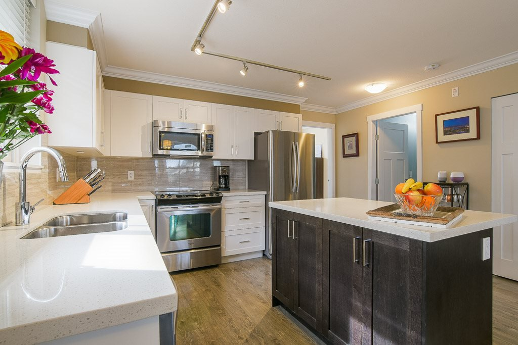 """Photo 8: Photos: 201 6706 192 Diversion in Surrey: Clayton Townhouse for sale in """"One92 Townhomes"""" (Cloverdale)  : MLS®# R2362276"""