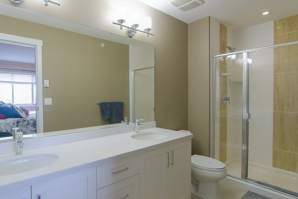 """Photo 15: Photos: 201 6706 192 Diversion in Surrey: Clayton Townhouse for sale in """"One92 Townhomes"""" (Cloverdale)  : MLS®# R2362276"""