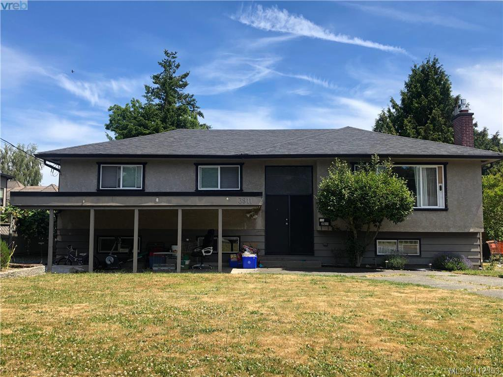 Main Photo: 3911 Stockton Cres in VICTORIA: SE Cedar Hill Single Family Detached for sale (Saanich East)  : MLS®# 817404