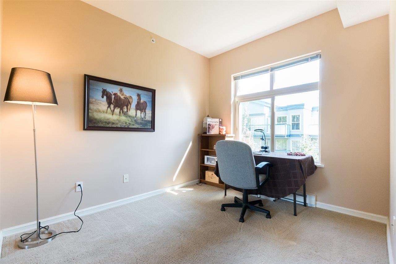 "Photo 15: Photos: 406 10088 148 Street in Surrey: Guildford Condo for sale in ""Bloomsbury Court"" (North Surrey)  : MLS®# R2384343"